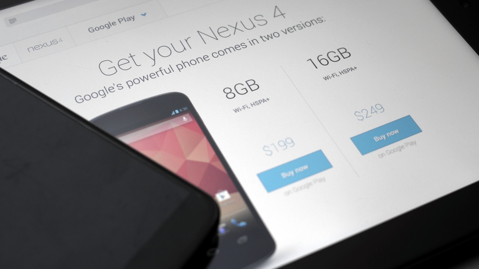Google Nexus 4 is Now 100 Dollars Cheaper