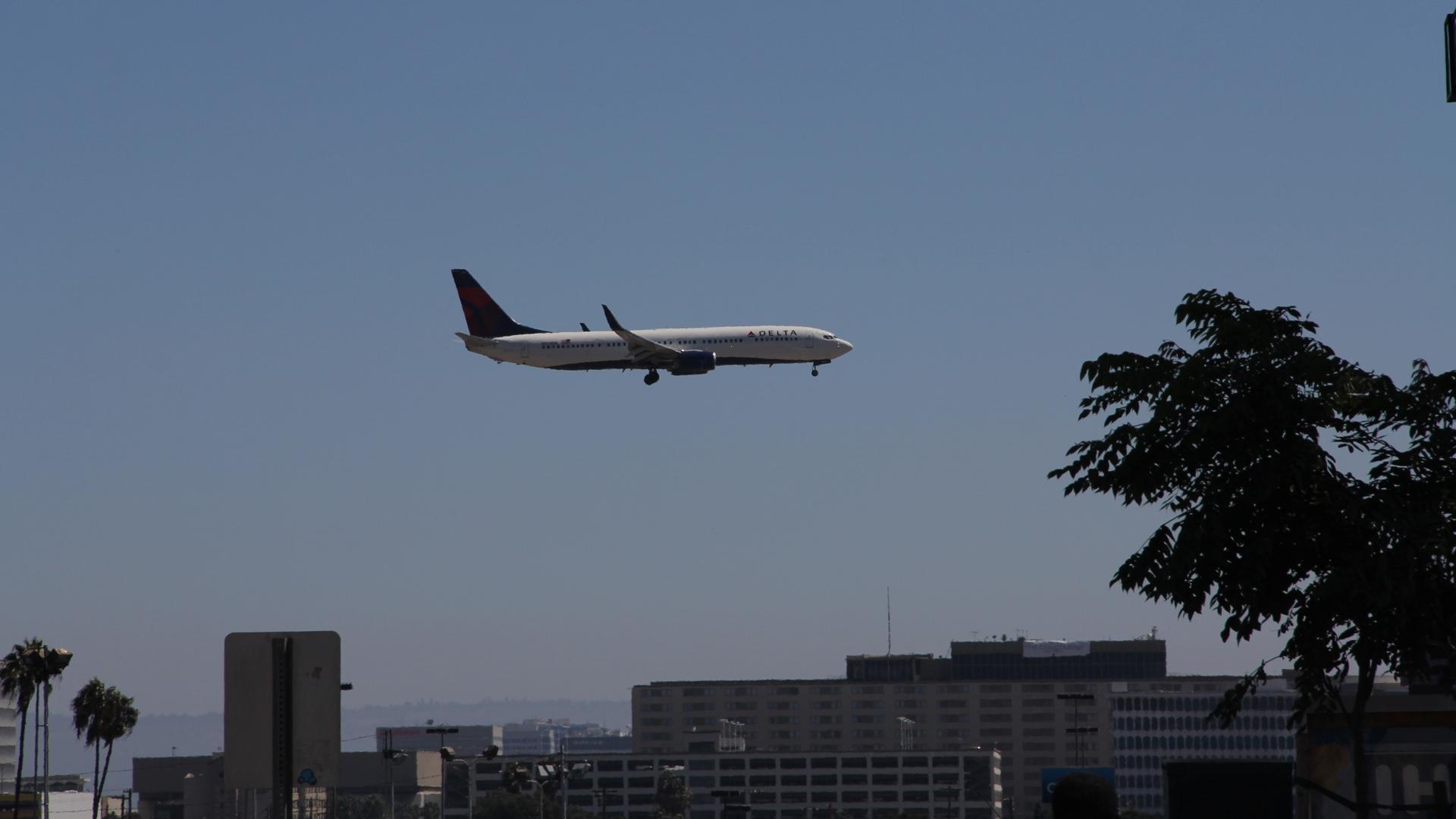 Delta Flight, Ready to Land
