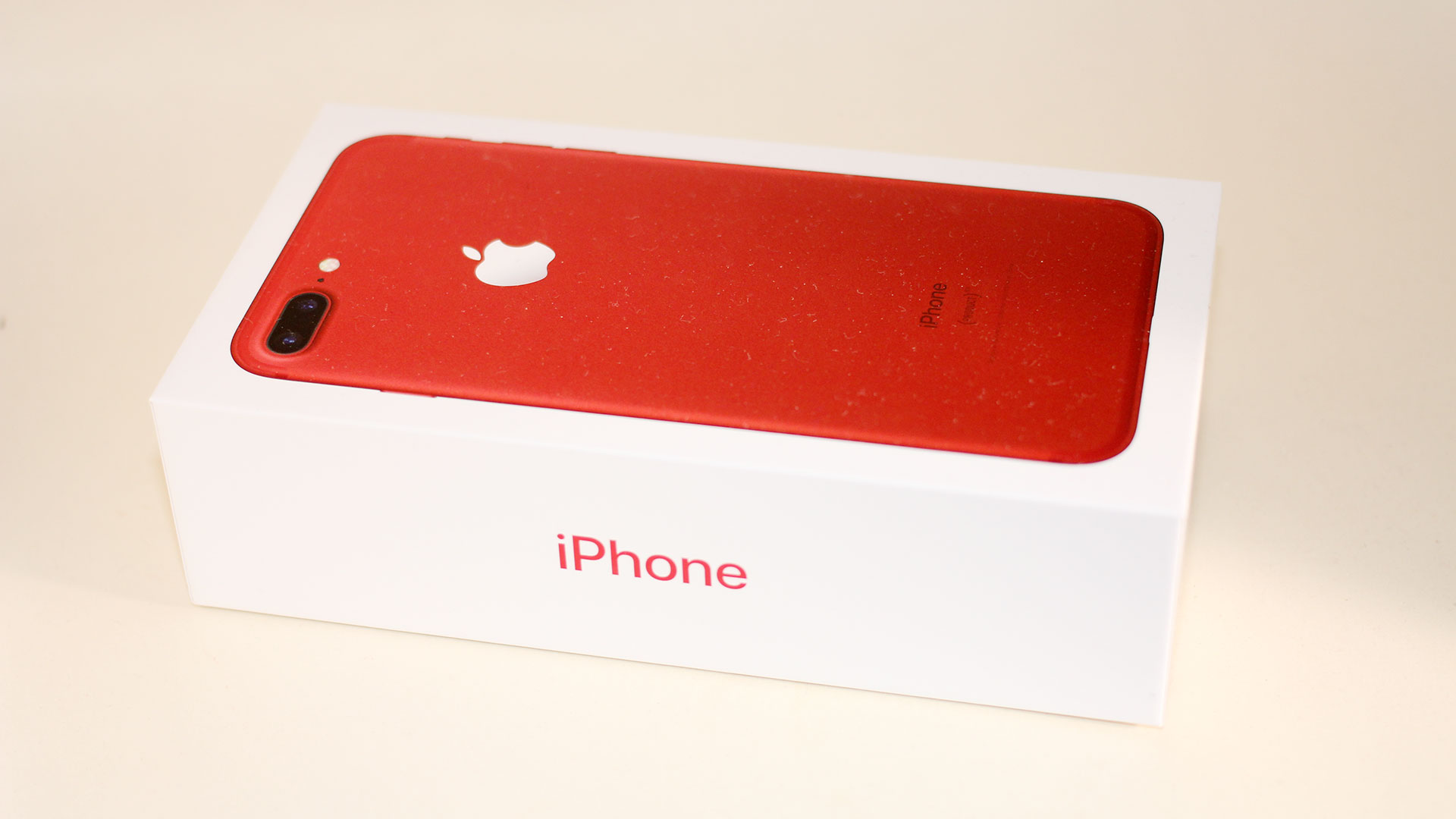 iPhone-7-Plus-Red-Packaging